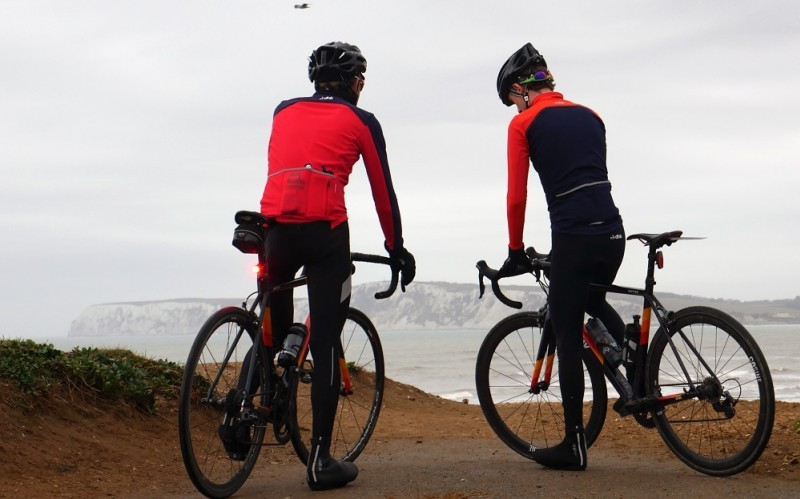 Cómo hacer ciclismo en invierno: Ropa y complementos