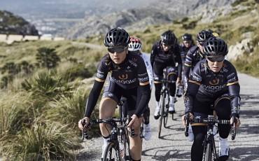 Ciclistas del equipo profesional femenino Wiggle High5