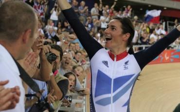 Sarah Storey celebrando una de sus victorias en las Olimpiadas de Londres 2012